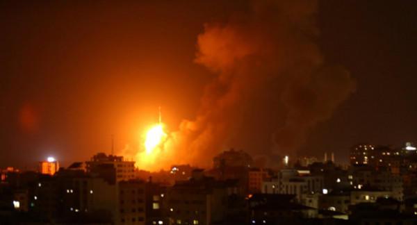 الاحتلال يقصف أهدافا للمقاومة في غزة