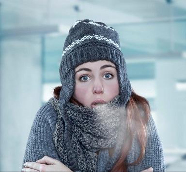 الأجواء الباردة مستمرة بالأردن