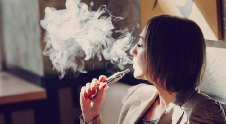 إصابة نادرة في الرئة بسبب السجائر الإلكترونية