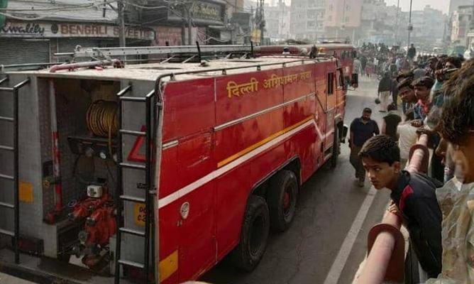 مصرع العشرات بحريق مصنع في الهند