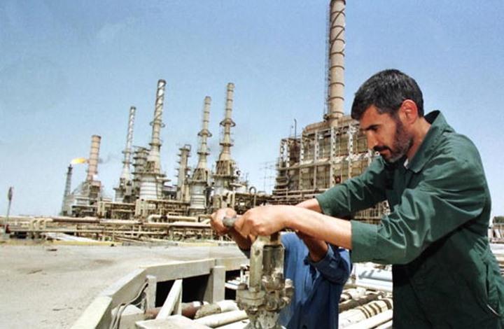 العراق يخفض سعر نفط البصرة المتجه لآسيا