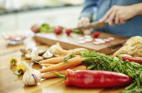 أفضل 9 أطعمة للحفاظ على صحة الدماغ