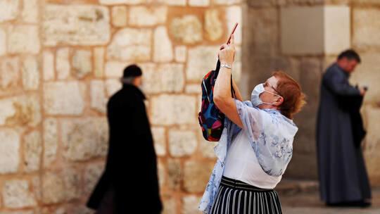 إسرائيل تدرس إعادة إغلاق المدارس