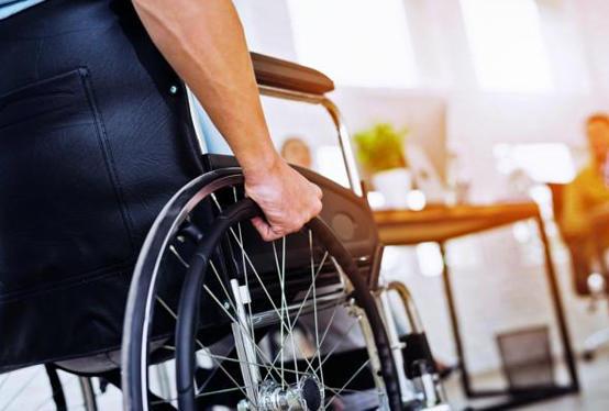 وتكسرت إنسانيتكم على أبواب ذوي الإعاقة