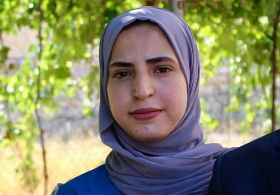 منحة دراسية شاملة من جامعة عمان الاهلية للطالبة شهد ايهاب يونس