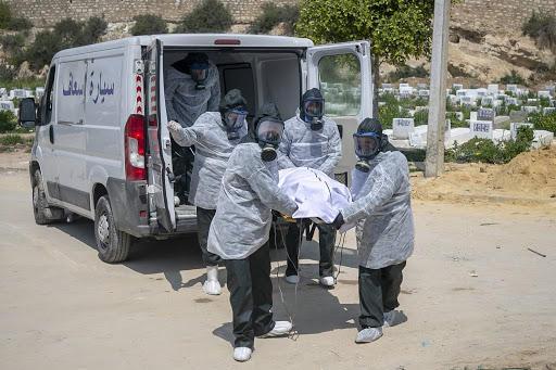 كورونا يرهق المستشفيات التونسية