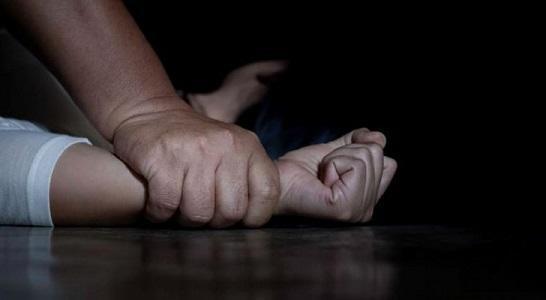 بينهن ابنته.. إيطالي يغتصب أكثر من 160 طفلة