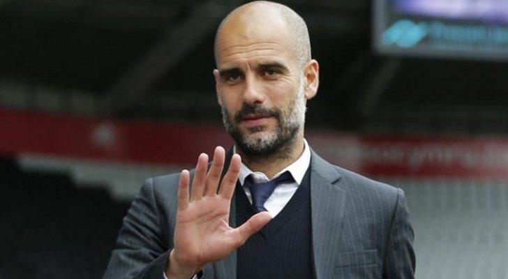 غوارديولا يحسم الجدل بشأن عودته لتدريب برشلونة