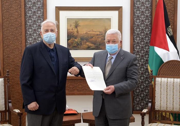 عباس يصدر مرسوما لتحديد موعد إجراء الانتخابات العامة