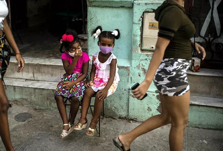 كوبا تتخلى عن العملة المزدوجة وترفع الرواتب