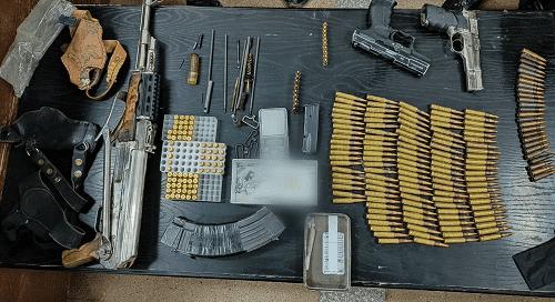 ضبط أسلحة نارية ومخدرات بالبادية الشمالية
