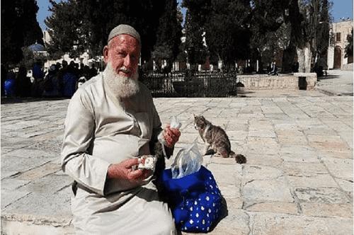 الموت يُغيّب أبو هريرات الأقصى