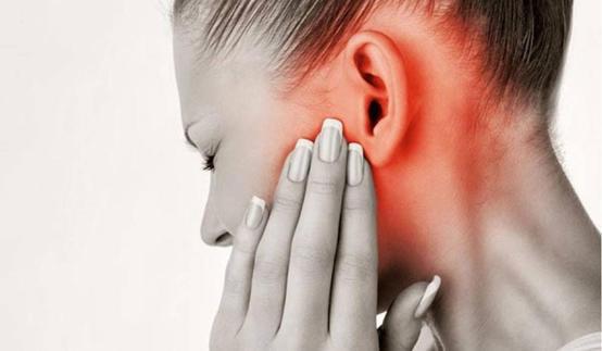 أسباب ومضاعفات التهاب الأذن الوسطى