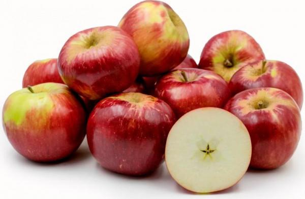 تعرف على مصائب الإكثار من تناول التفاح