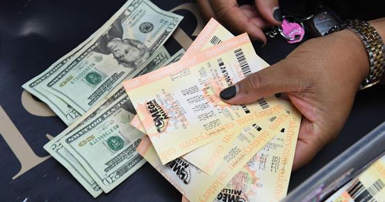 مجهول يربح مليار دولار في اليانصيب الاميركي