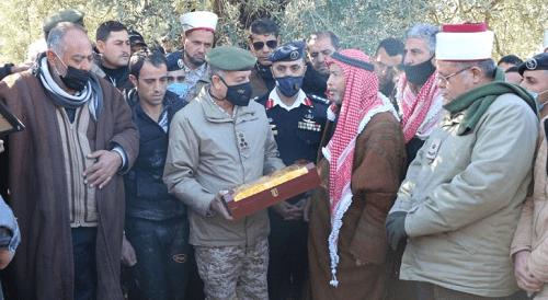 الجيش يشيع جثمان الشهيد الوكيل الزغول