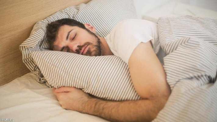 دراسة توضّح فائدة النوم الجيد قبل تلقّي لقاح كورونا