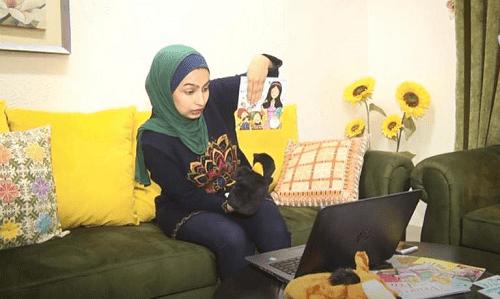 فلسطينية تبتكر أسلوبا جديدا لتعليم الإنجليزية