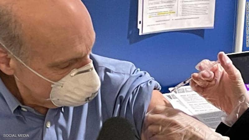 لقاح كورونا.. نجل مطور اللقاح الأشهر يكشف الحقيقة