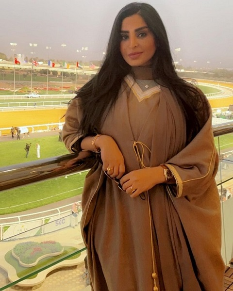 ريم عبدالله تفاجئ جمهورها بارتداء (مشلح) - صورة