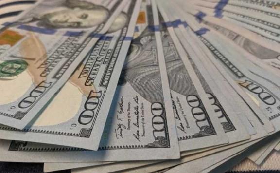 تراجع الدولار عالميا لليوم الثالث
