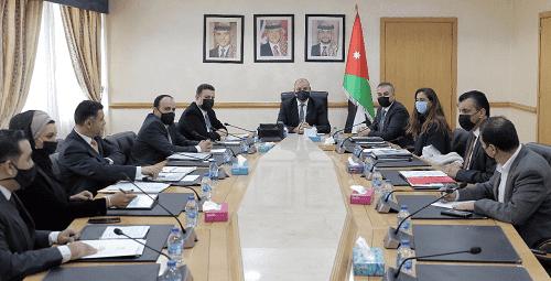 العودات: المجلس سيستمر بالموازنة بين جلساته