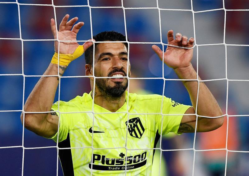سواريز: أرقامي أفضل من صفقات برشلونة