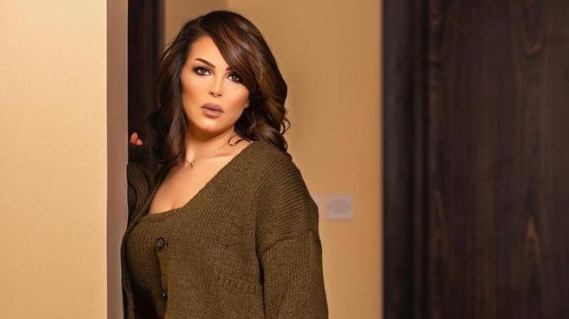 منى السابر تعلق على تكفل الدكتورة خلود بابنها - فيديو