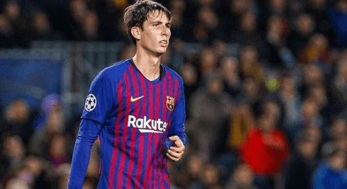 برشلونة يفكر باستعادة أحد لاعبيه المعارين في الصيف