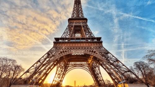 برج إيفل يغير حلّته للمرّة العشرين