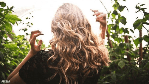 متعافيات من كورونا يكشفن عن تأثير مزعج على جمالهن