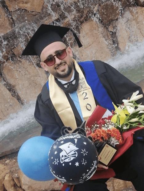 الدكتور معن الصعوب مبارك التخرج