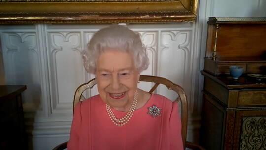 ملكة بريطانيا تتحدث عن تجربتها مع لقاح كورونا