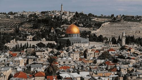 إسرائيل توقف المواصلات إلى القدس