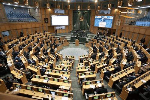 النواب يناقش قرارات لجانه حول مشاريع قوانين