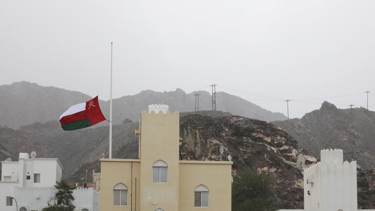 سلطنة عمان تفرض إغلاقا تجاريا جزئيا