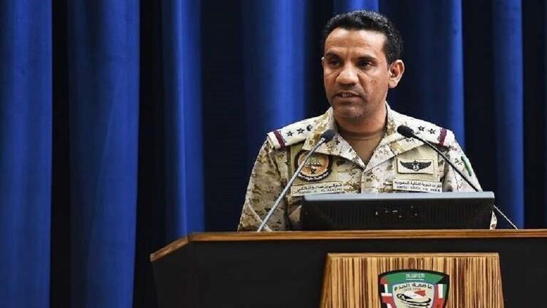 الحوثيون يعلنون استهداف مطار أبها السعودي