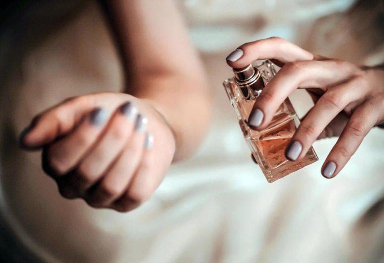 أين تضعين العطر لتبقى رائحتك جميلة؟