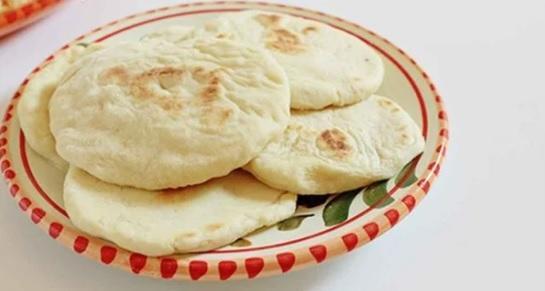 طريقة عمل الخبز العربي (الكماج)