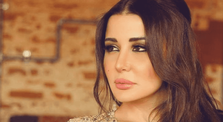 جيهان عبد العظيم تكشف عن تعرضها للتسمم