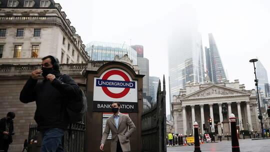 بريطانيا تخطط لتخفيف قيود كورونا