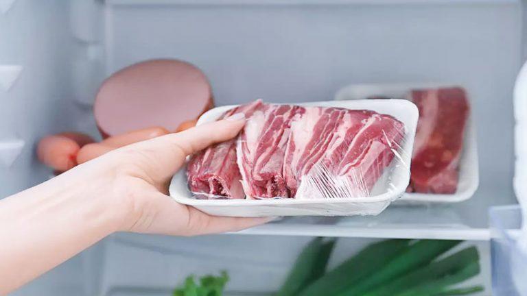 طريقة إذابة اللحوم من التجميد