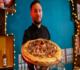 مطعم يقدم لزبائنه بيتزا مصنوعة بأوراق الذهب