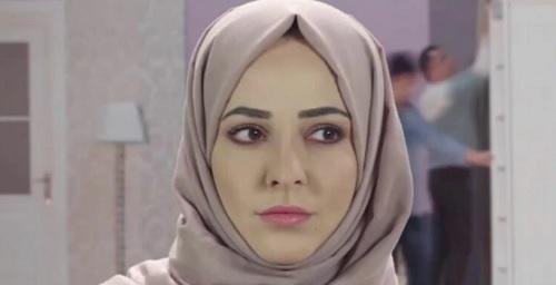 إعلامية سورية تصدم جمهورها بخلعها الحجاب - صورة