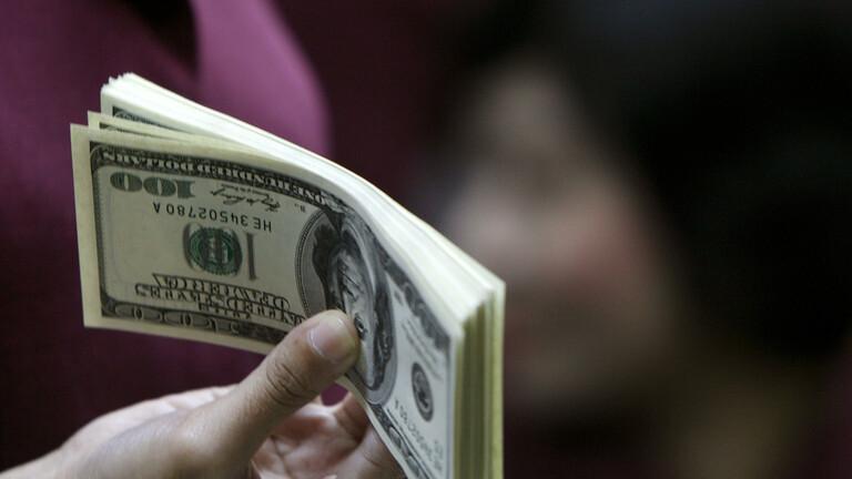 امرأة تجني 100 مليون دولار من التنمر على الرجال !
