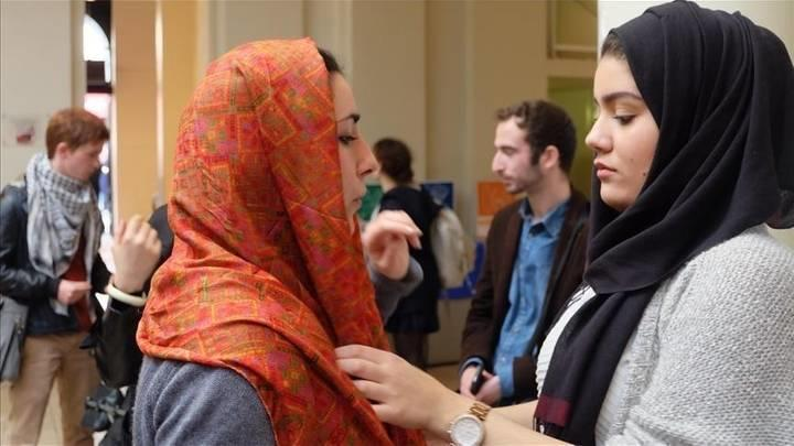 مجلس الشيوخ الفرنسي يوافق على حظر الصلاة بالجامعات