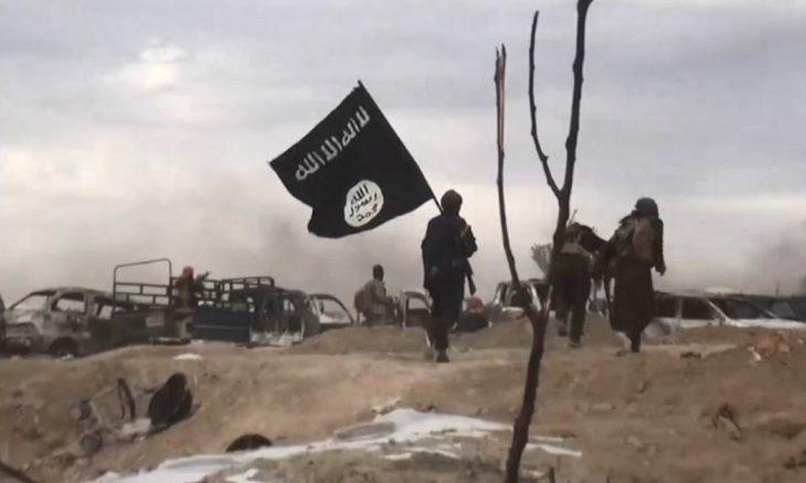 صحيفة : زعيم داعش عمل (عصفورا) في السجن ووشى بزملائه