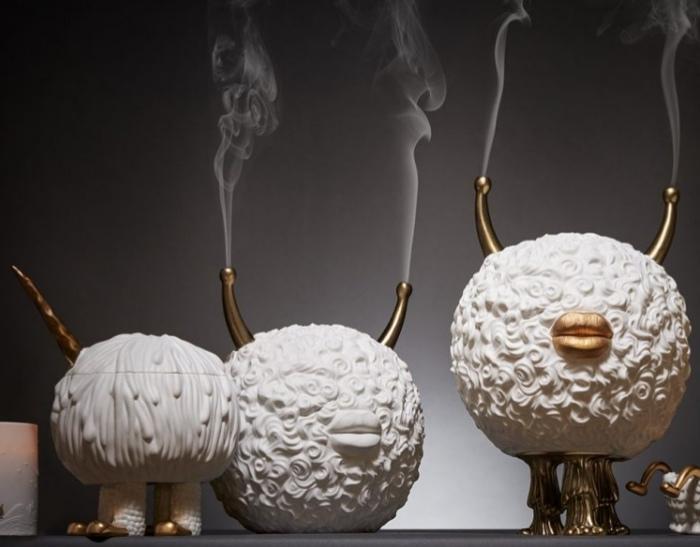 باحثون: حرق البخور لا يقل خطرا عن دخان السجائر