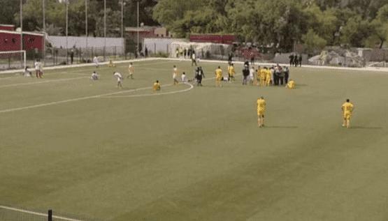 وفاة لاعب مغربي على المستطيل الأخضر - فيديو