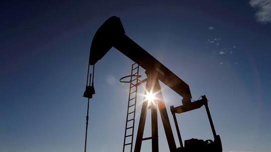 ارتفاع النفط متأثرا بوتيرة التطعيم